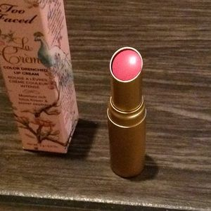 Too Faced Lipstick Razzle Dazzle Rose